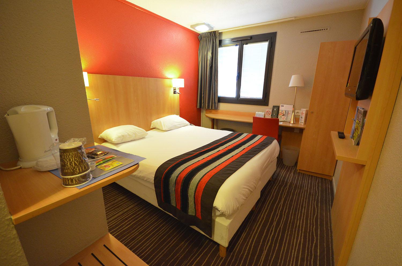 Chambre hôtel Kyriad Mirande