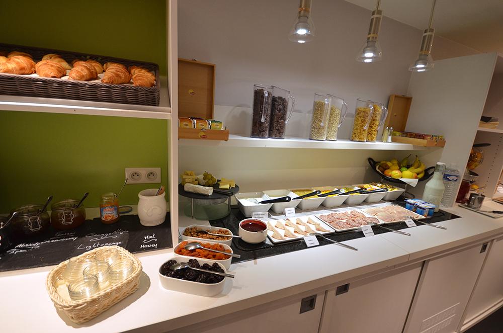 Petit dejeuner hôtel Kyriad Gare